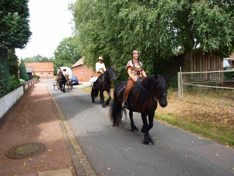2012 Ernte Umzug mit Fell Pony